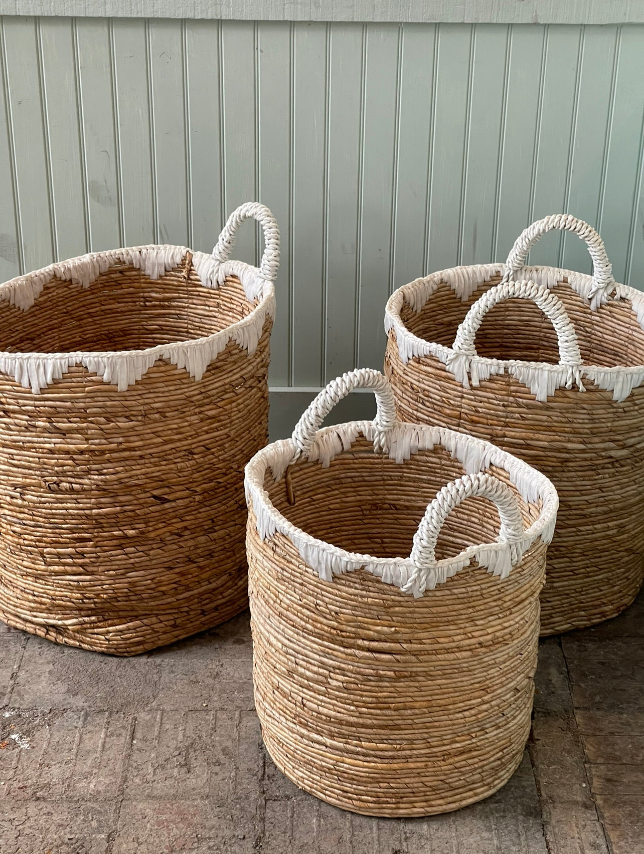 Banana Leaves Basket natural and white edges with Handles