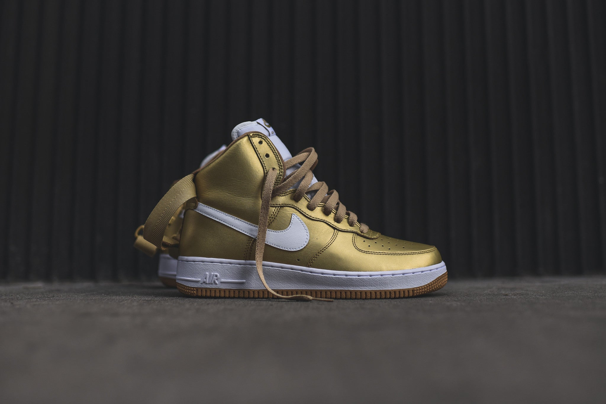 Https Blogs Art 2018 11 27t175612 0500 Weekly D Island Shoes Style Hikers Dm Mens Leather Cokelat Nike Af1 High Qs Gold 1v1455688711
