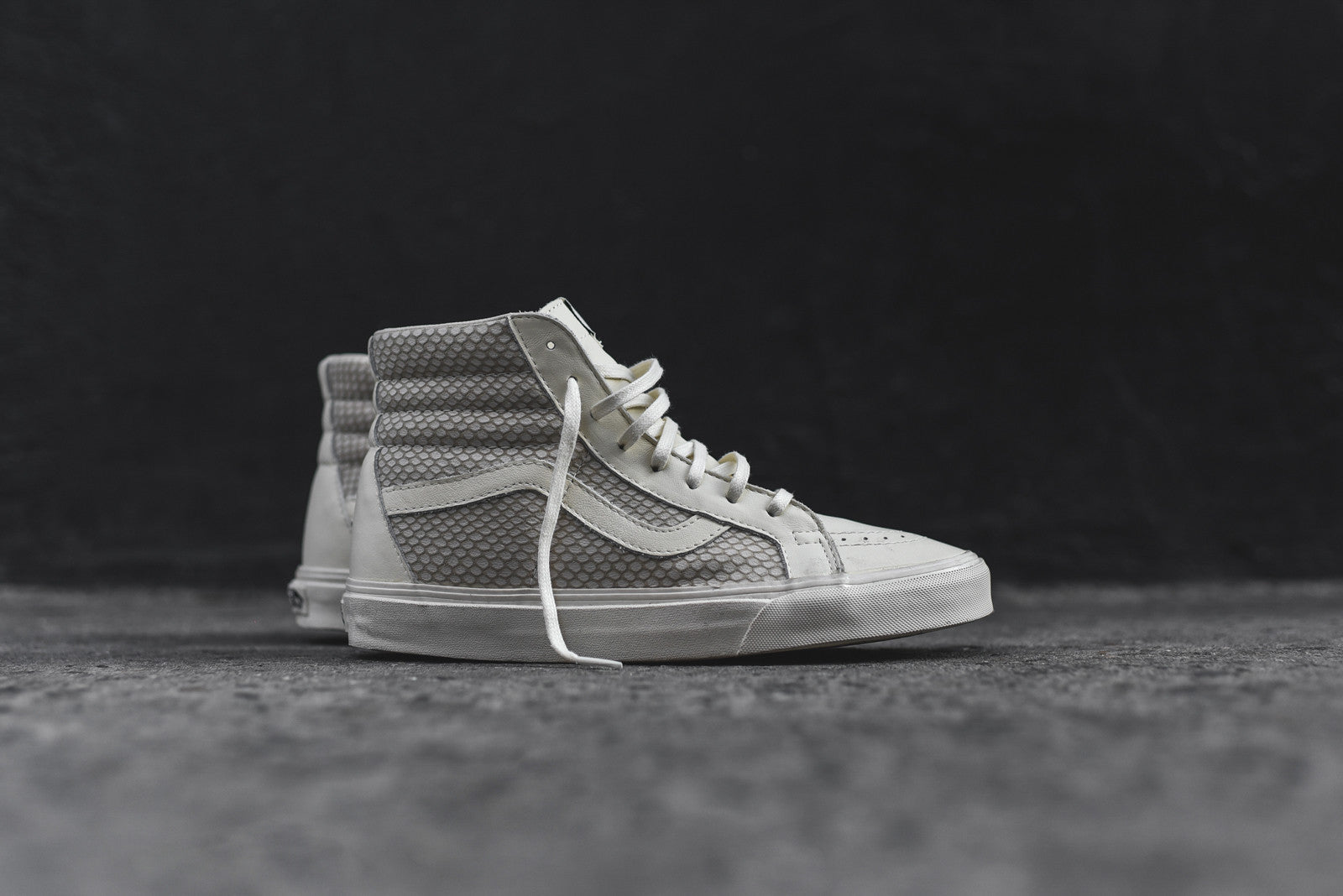 the best attitude 7e006 27f18 ... Adidas x Undefeated x Bape Campus 80s UNDFTD Olive - Size 7 - 100%  Authentic  Vans Snake Pack SK8 Hi - Antique White 1.jpg v 1458316887 ...