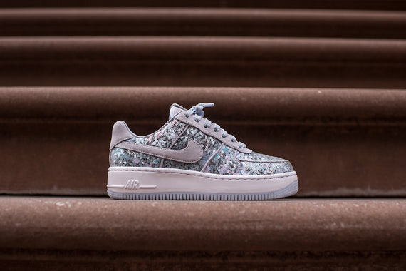 Nike WMNS Air Force 1 Upstep - Glass Slipper