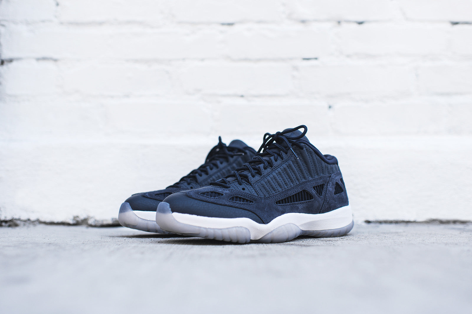 online store 767c6 db11b Nike Air Jordan 11 Retro Low LE - Navy   White – Kith