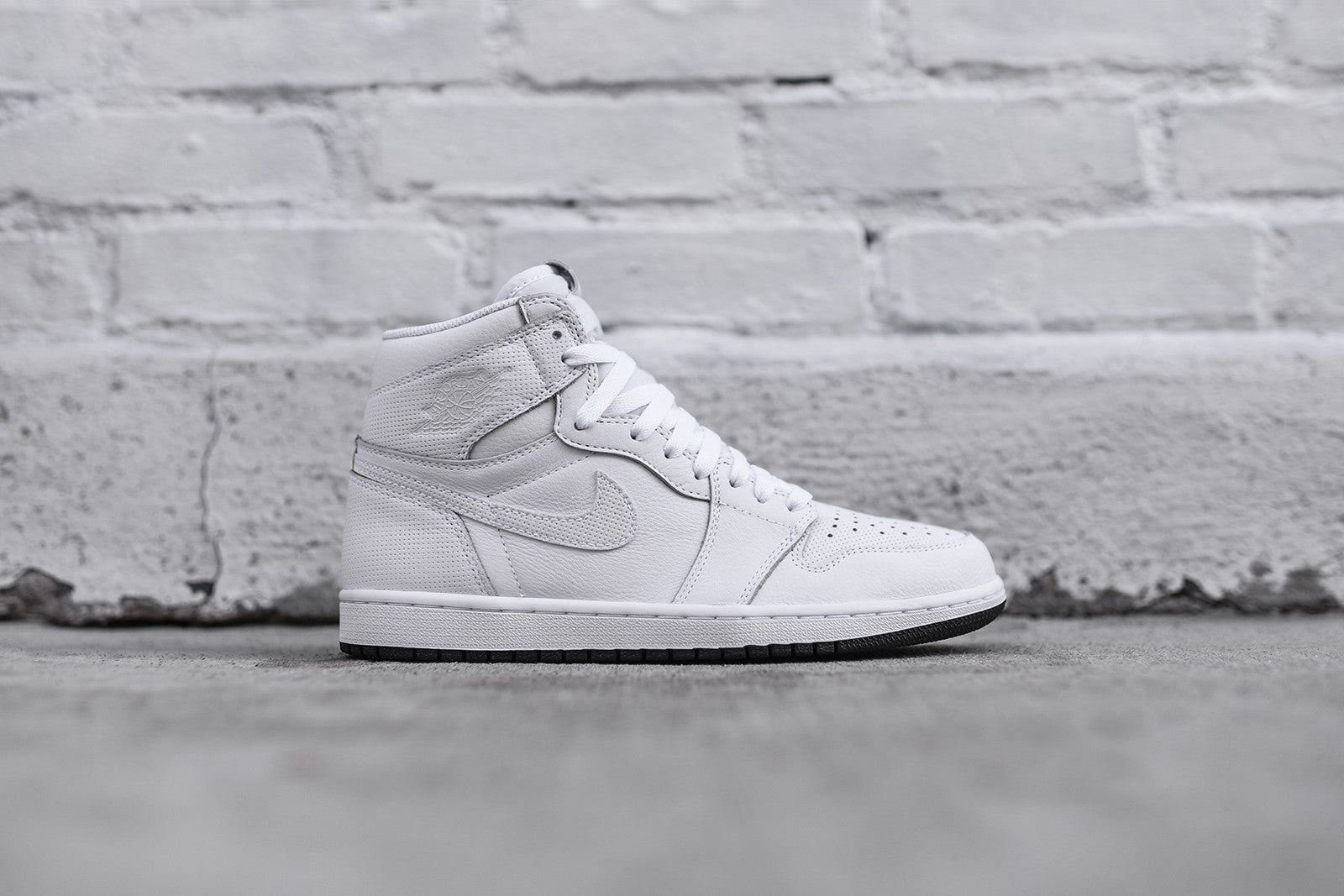 54430a49e575a9 Nike Air Jordan 1 Retro High OG - White   Black – Kith
