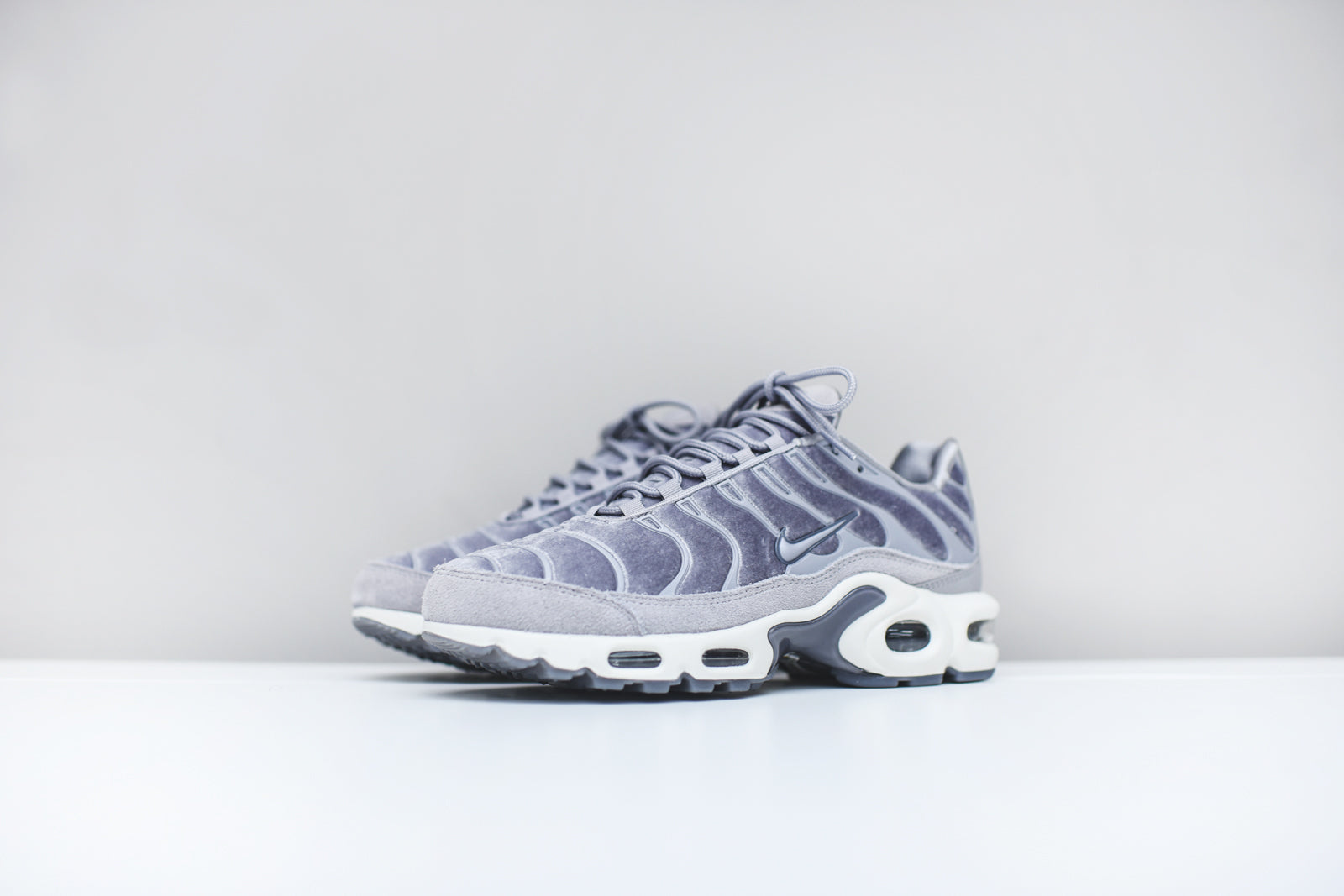 9525ad8676b Nike WMNS Air Max Lux Pack – Kith