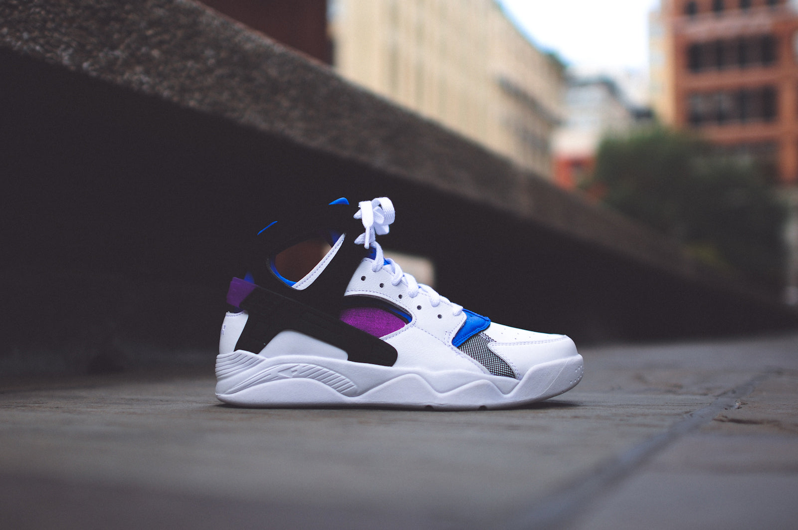 7e3ca27d2574 The NIKE Air Flight Huarache PRM QS