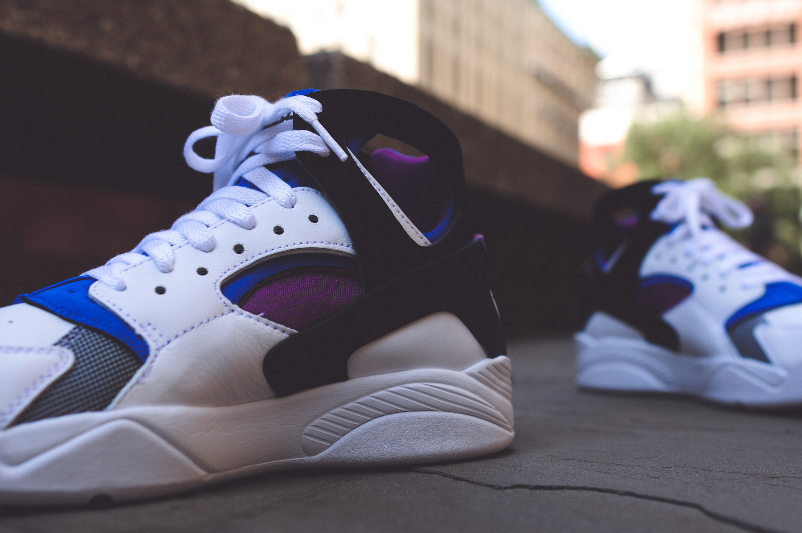 894f688df14d NIKE AIR FLIGHT HUARACHE PRM QS