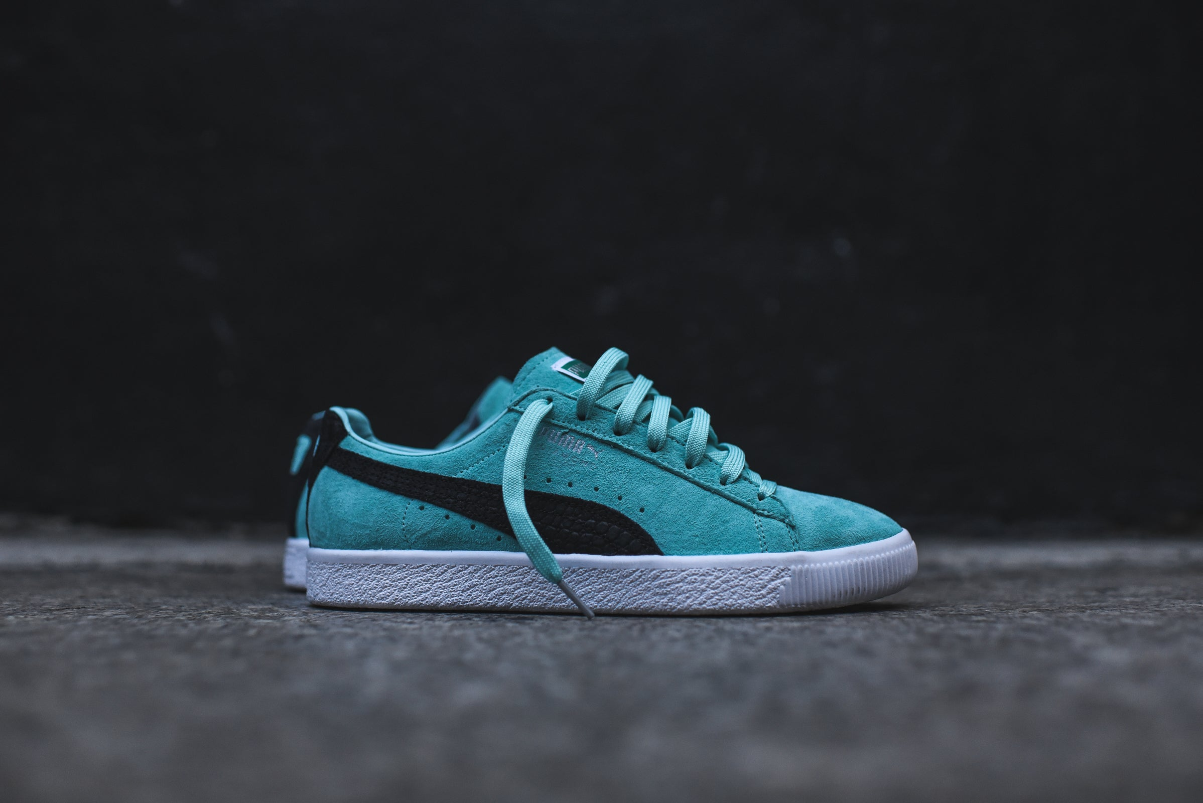 Puma x Diamond Supply Co. Clyde - Aruba Blue   Black   White – Kith a6d6ce412