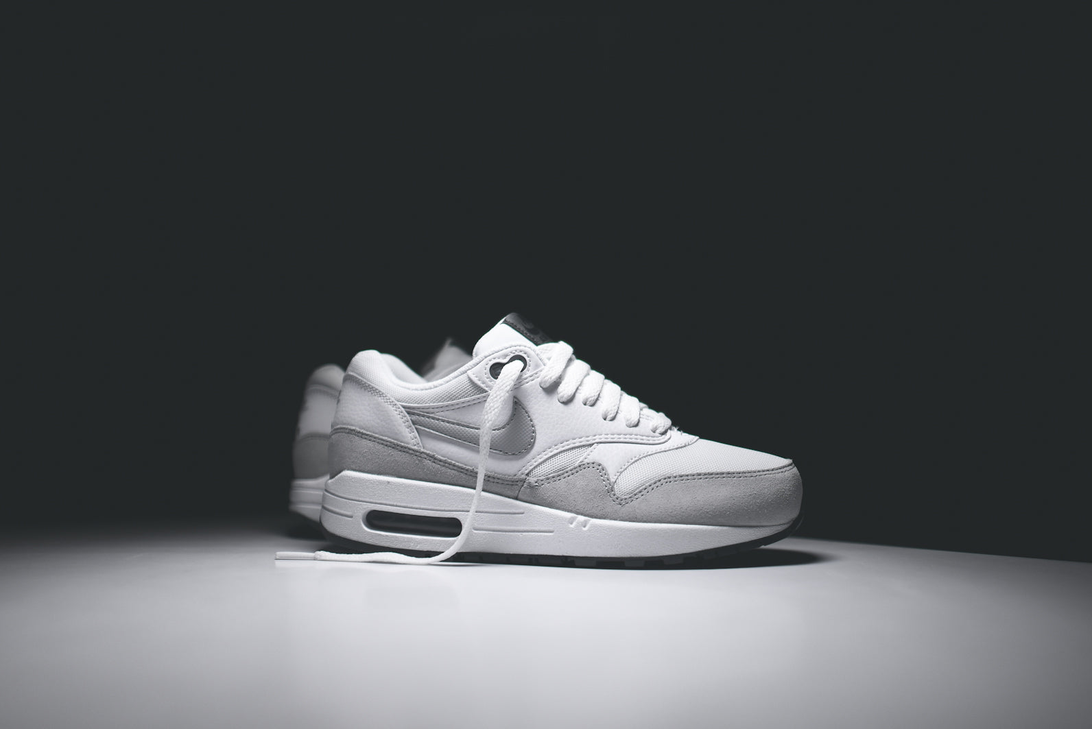NIKE WMNS Air Max 1 Essential White Dark Grey Grey