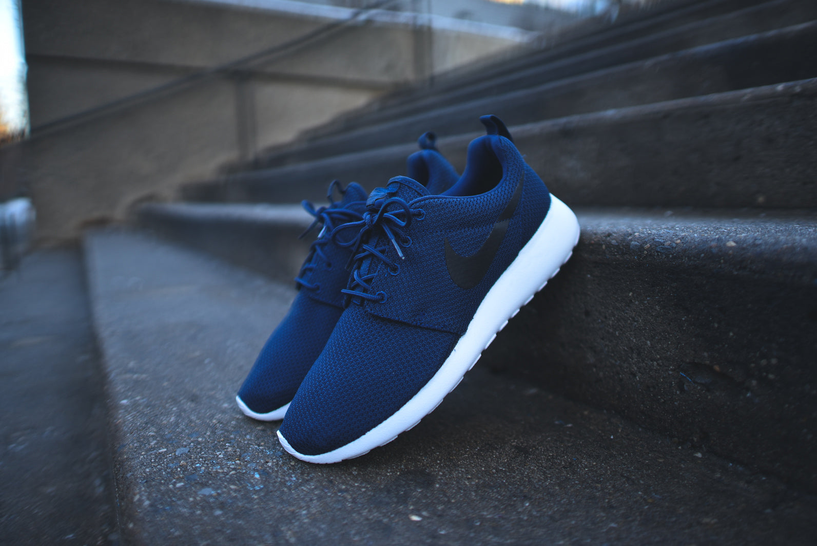 size 40 50528 fd8c1 NIKE Roshe Run - Midnight Navy / White / Black @ KITH NYC – Kith