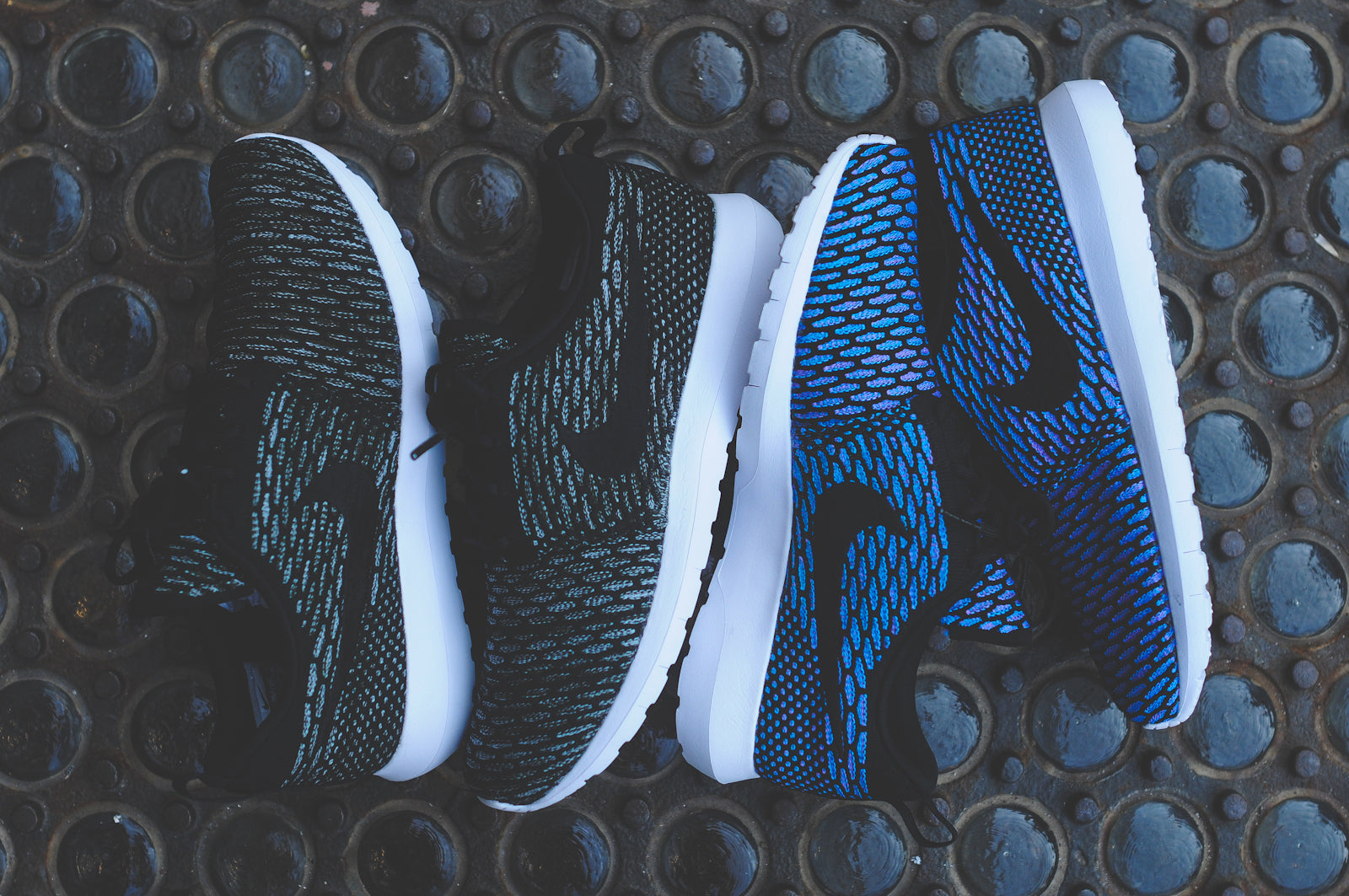 8fd6eee94dea NIKE FLYKNIT ROSHE RUN - BLACK LIGHT ARMORY BLUE   BLACK NEO ...