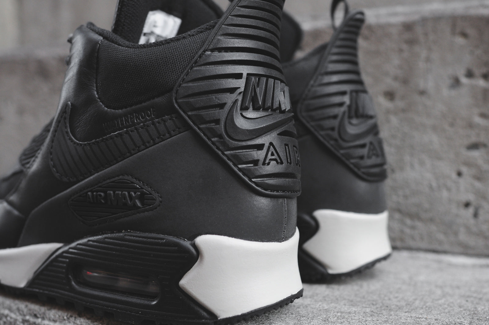 NIKE AIR MAX 90 SNEAKERBOOT WNTR TRIPLE BLACK @ KITH NYC