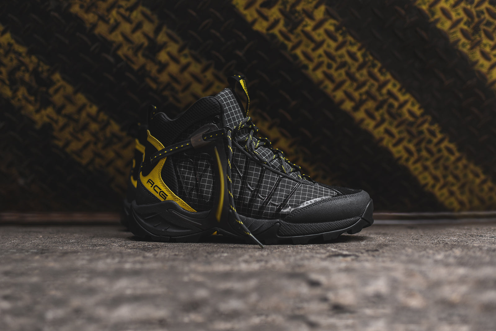 b159ce74194d Nike ACG Air Zoom Tallac Lite OG Boot - Black   Yellow. August 12