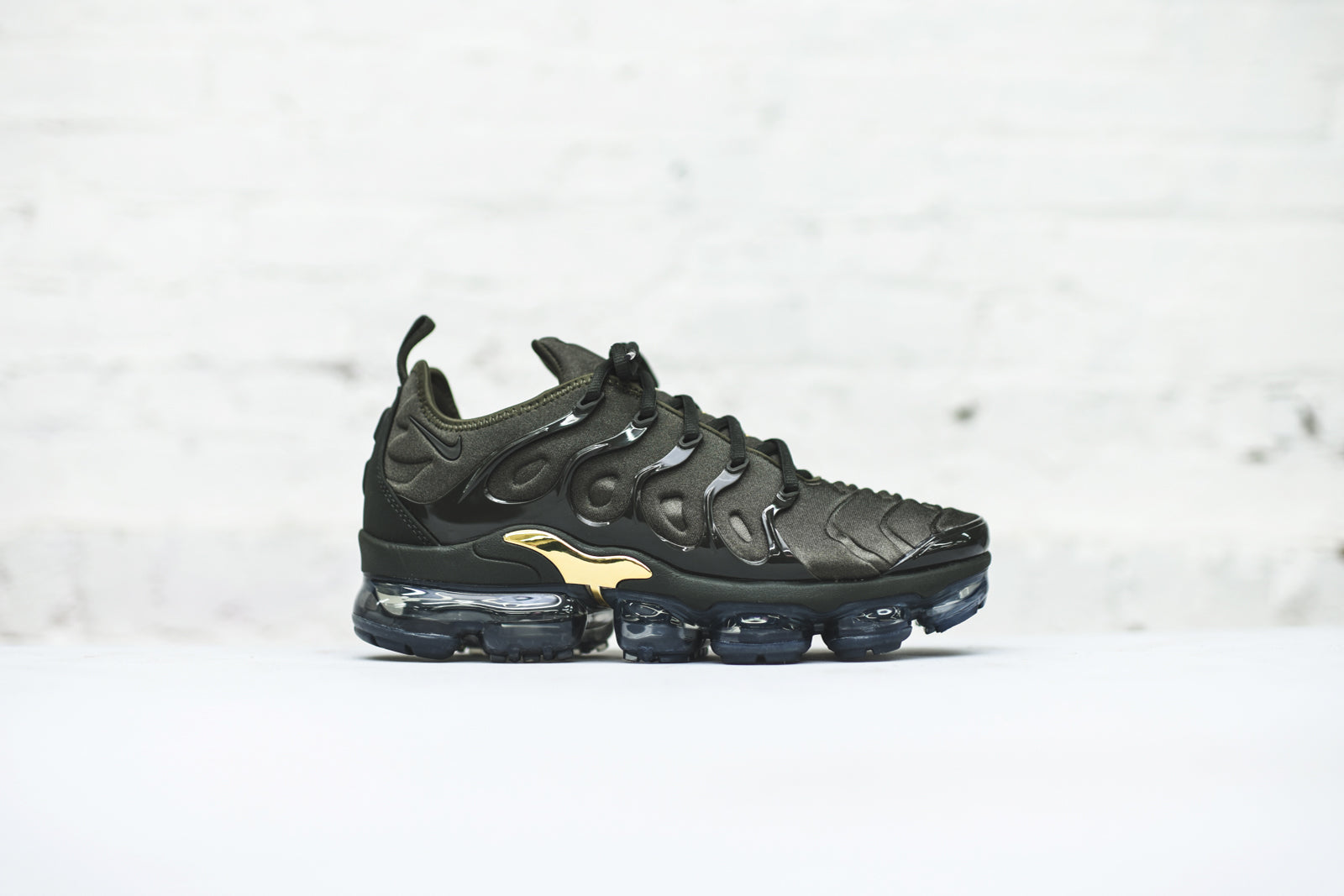 Nike Air VaporMax Plus Pack - Kith