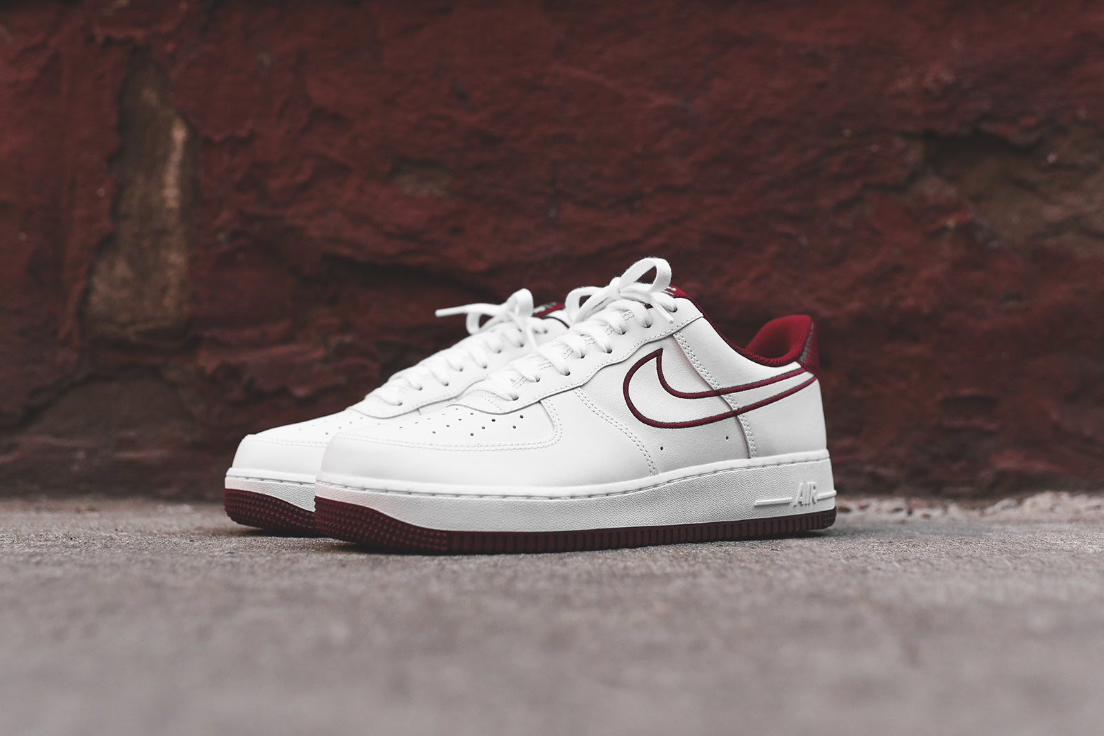 Nike Air Force 1 07 White Red Kith
