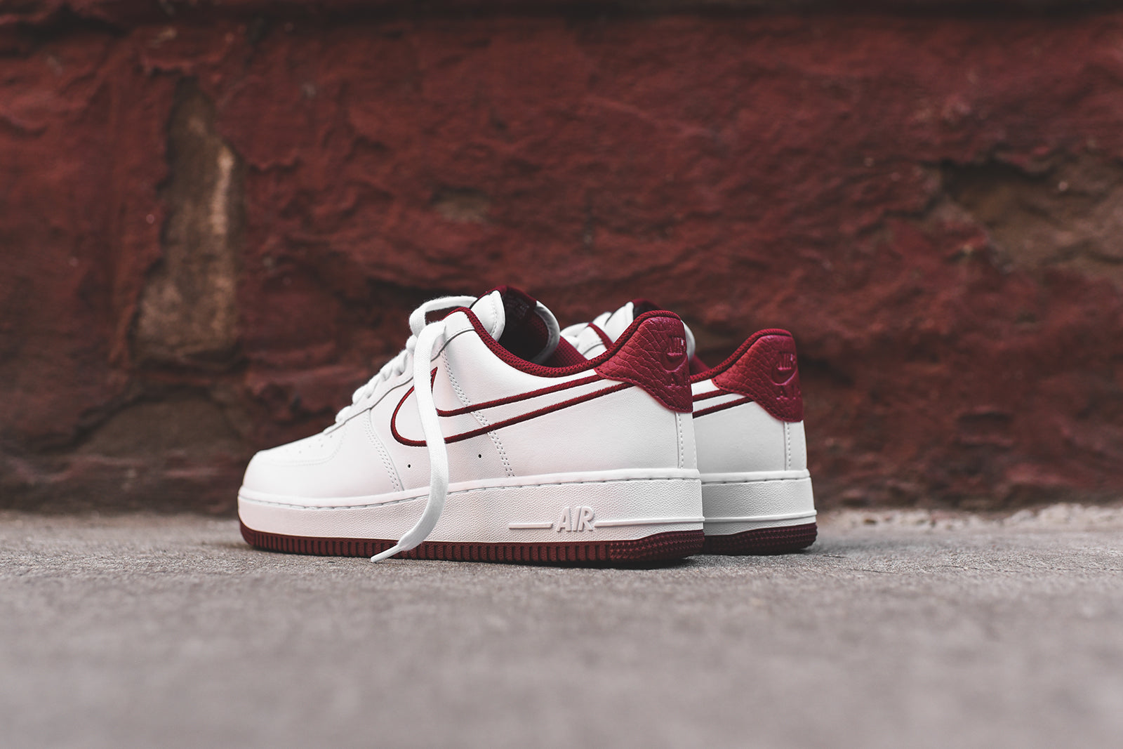 photos officielles 5d3ef e1fa6 Nike Air Force 1 '07 - White / Red – Kith