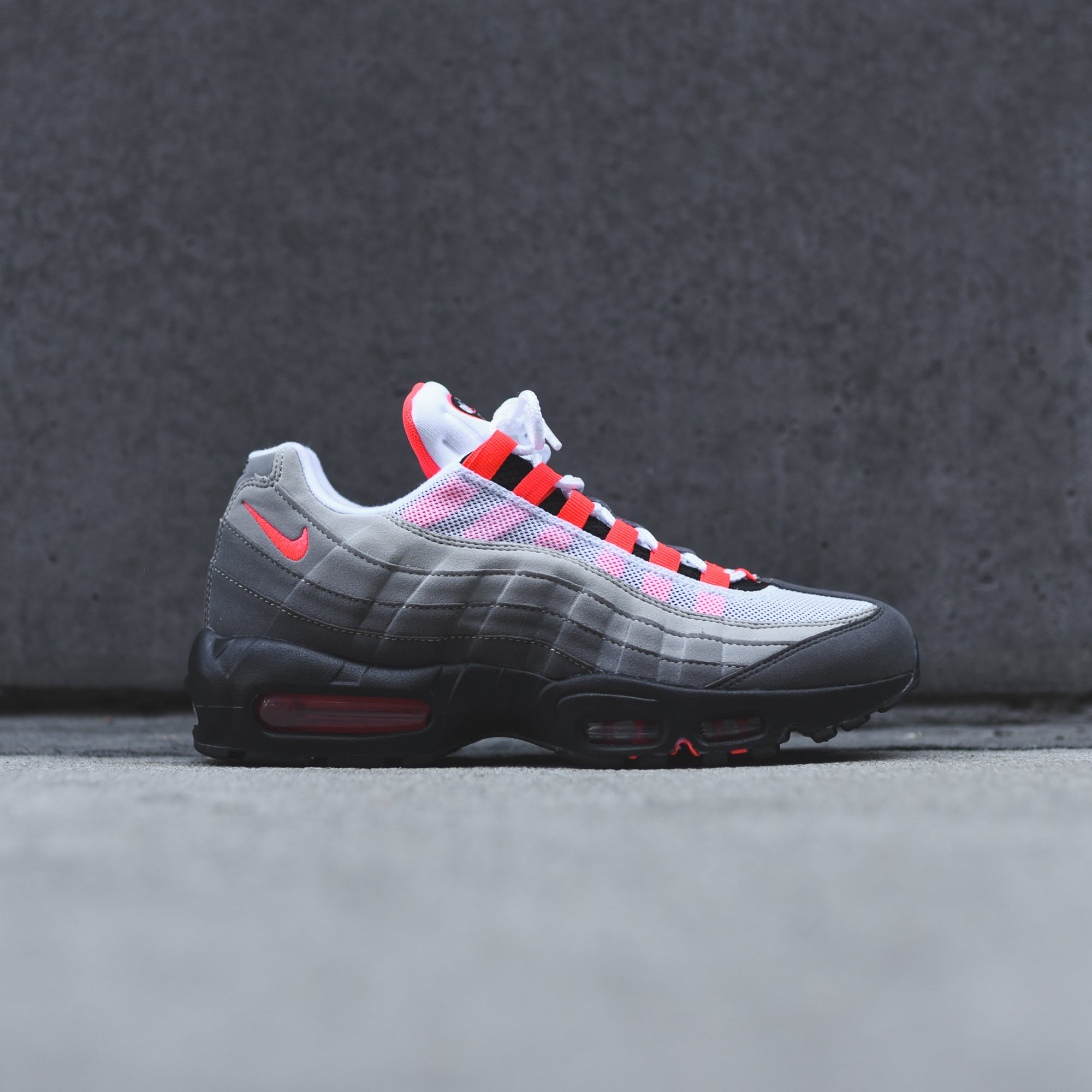Nike Air Max 95 OG White Solar Red </p>                     </div> 		  <!--bof Product URL --> 										<!--eof Product URL --> 					<!--bof Quantity Discounts table --> 											<!--eof Quantity Discounts table --> 				</div> 				                       			</dd> 						<dt class=