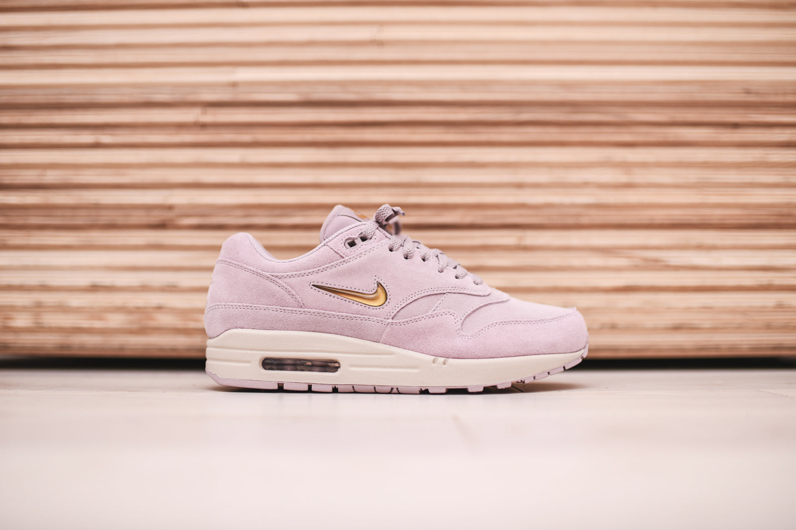 ladies nike air max rose gold