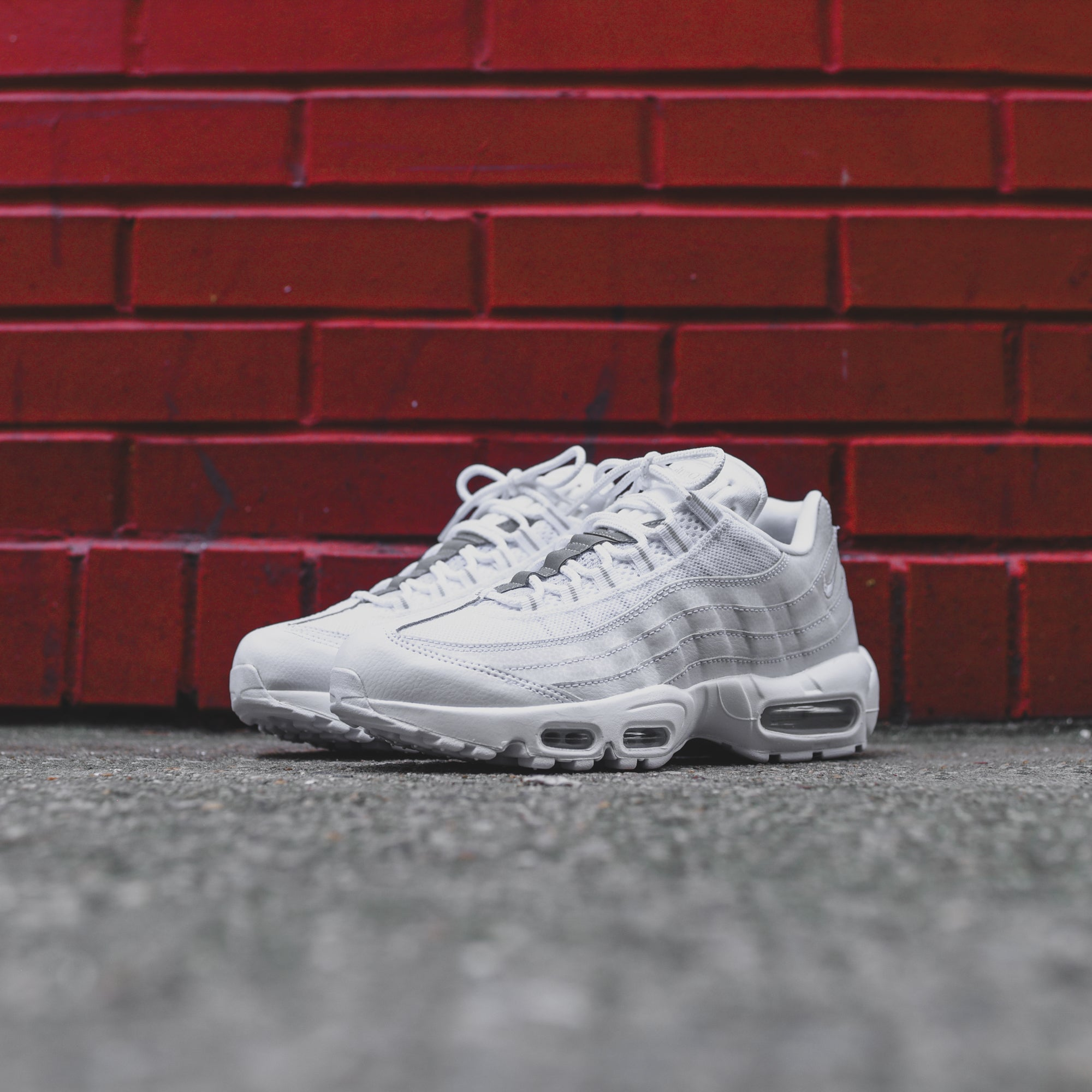 Nike Air Max 95 OG WMNS Pure Platinum The Drop Date