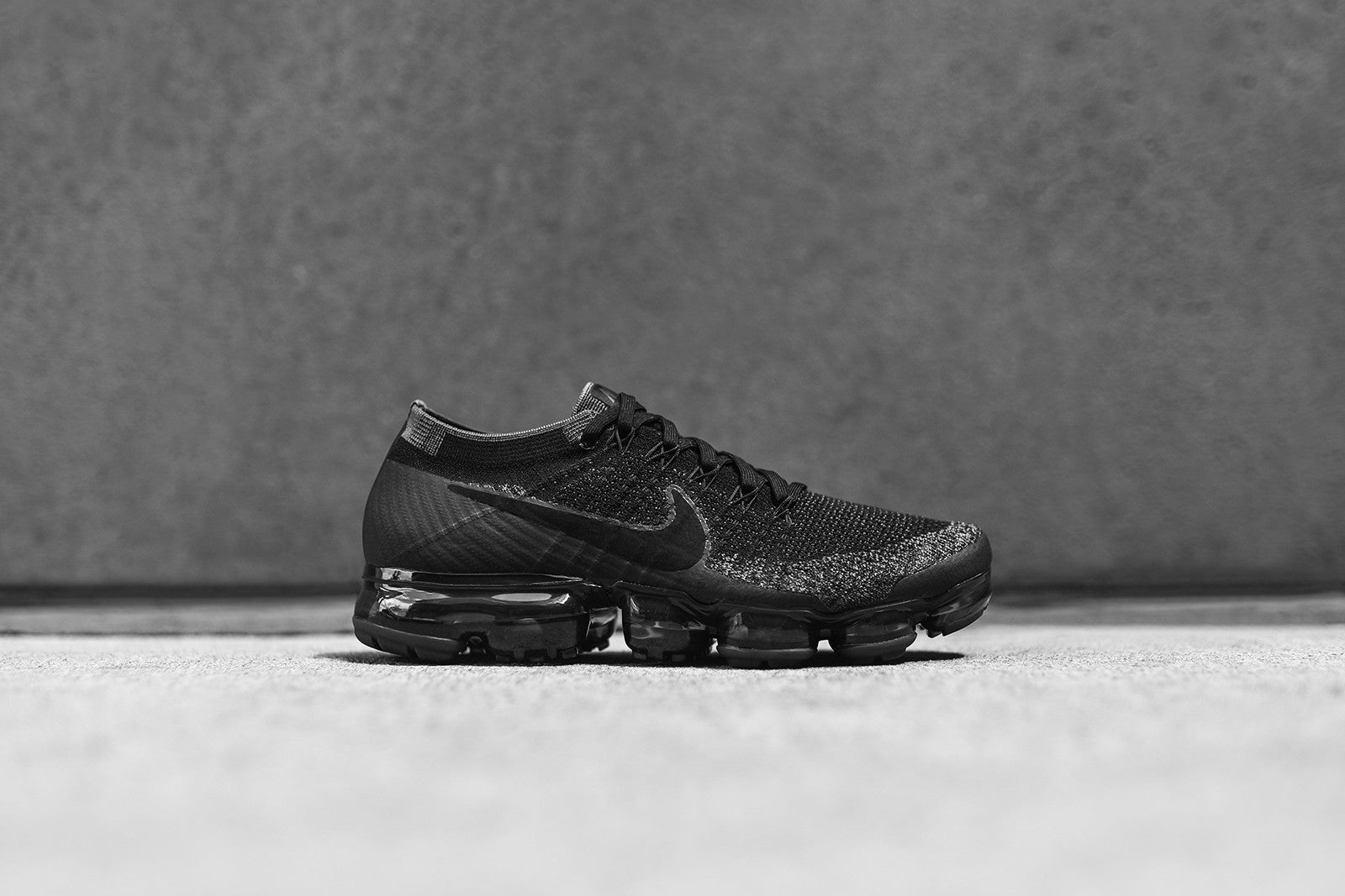 outlet store sale 00108 86512 Nike Air VaporMax Flyknit - Black – Kith
