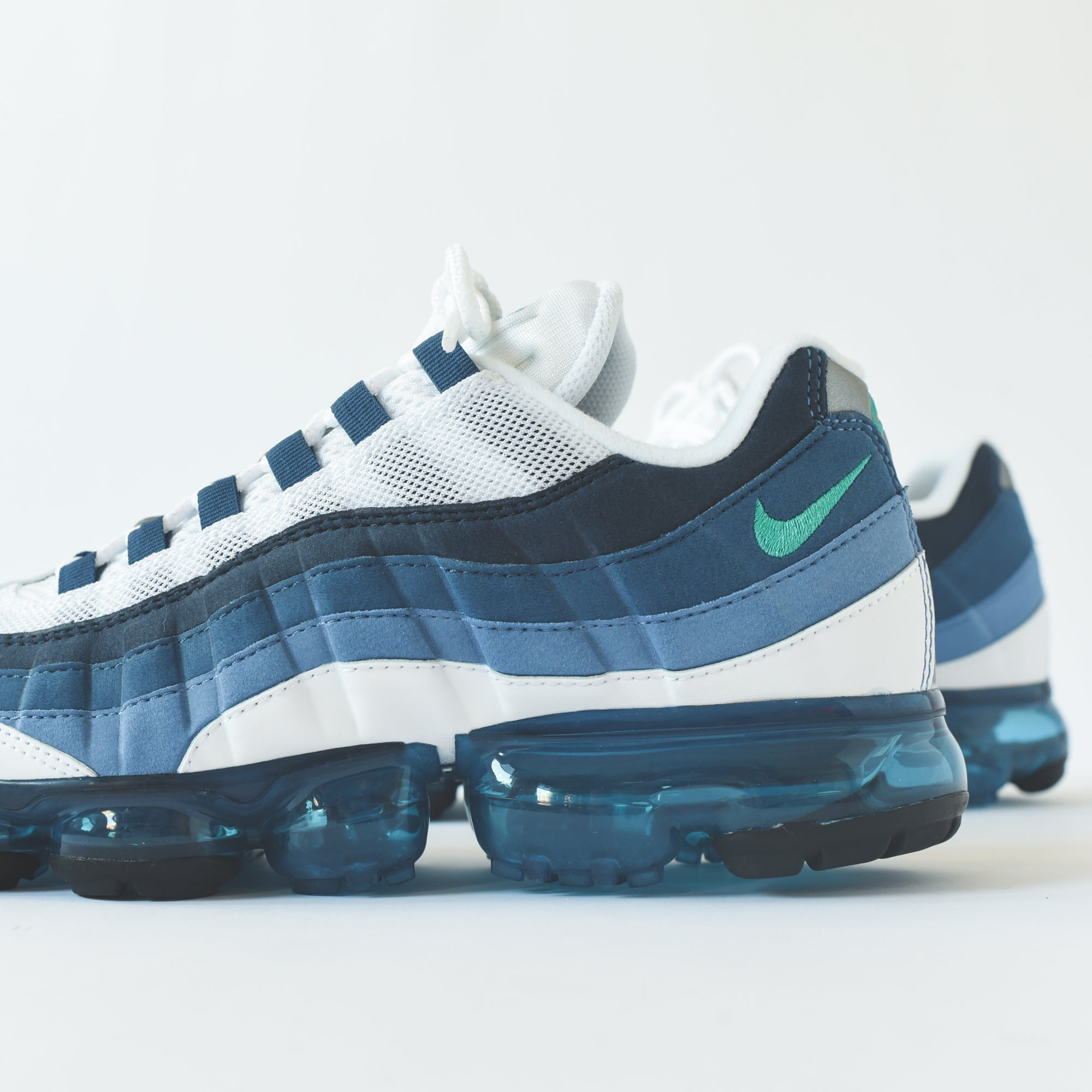 new styles 1ffa8 206f0 Nike Air VaporMax '95 - White / New Green / French Blue Lake ...