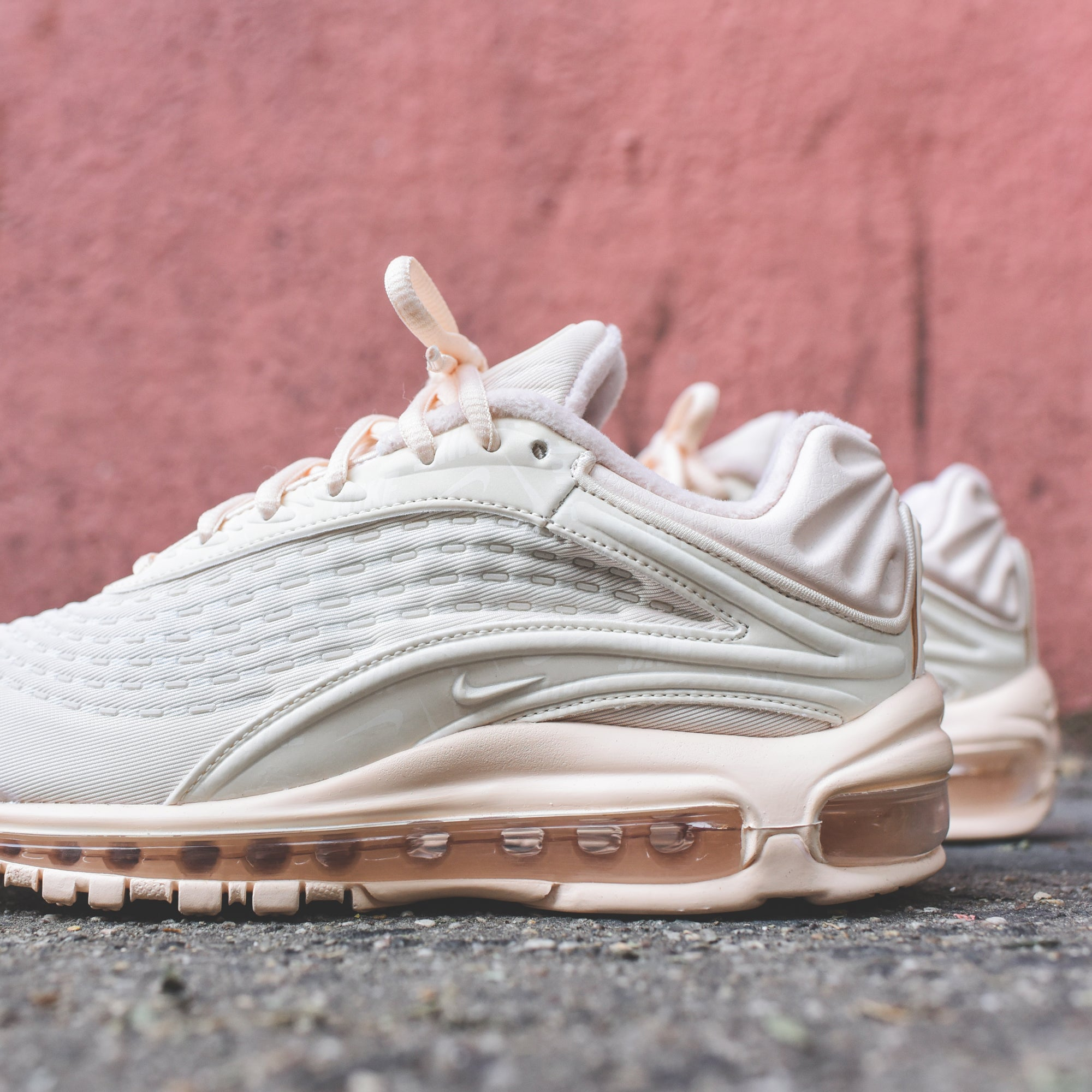 Nike WMNS Air Max Deluxe SE Guava Ice – Kith