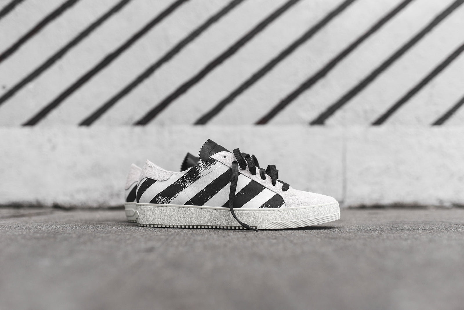 Off-White Striped Sneaker Pack – Kith 5fdc0c1c2f42