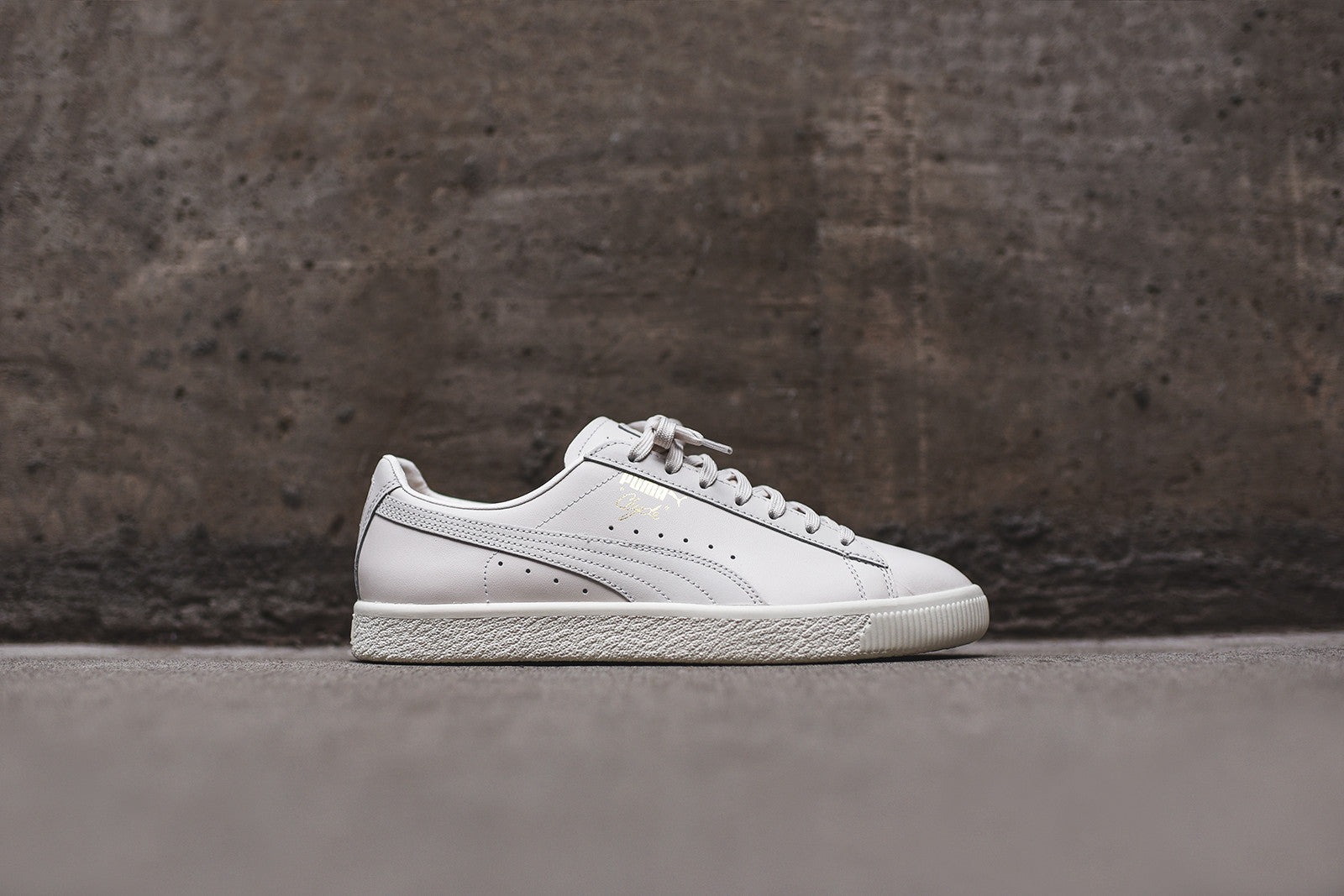 buy online fc4f0 9674e Puma Clyde Select - White – Kith