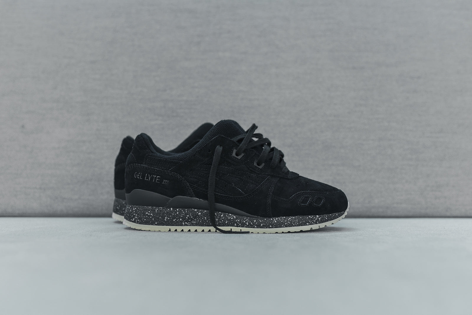 purchase cheap c935e 09008 Asics x Reigning Champ Gel Lyte III – Kith