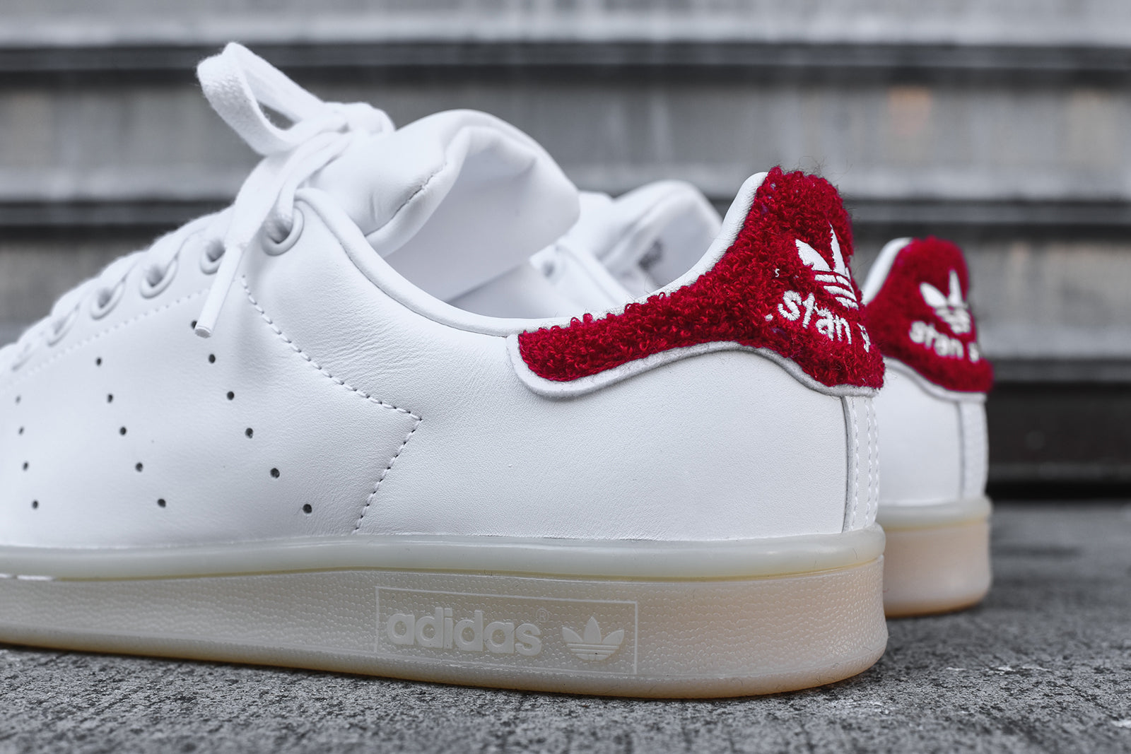 adidas Originals WMNS Stan Smith - Winter White   Red. October 25 eb270f77a