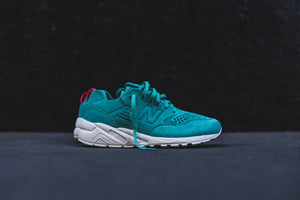 New Balance WMNS WRT580 Decon - Reef 1