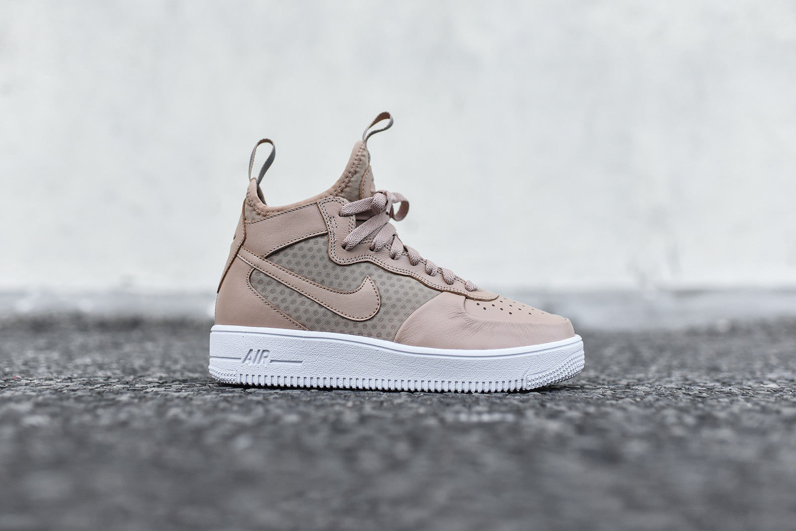 d5a5210bc4f Nike WMNS Air Force 1 Ultraforce Mid - Vachetta Tan. February 07