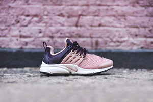 Nike WMNS Air Presto - Salmon / Navy 1