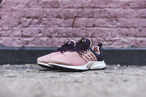 Nike WMNS Air Presto - Salmon / Navy 2