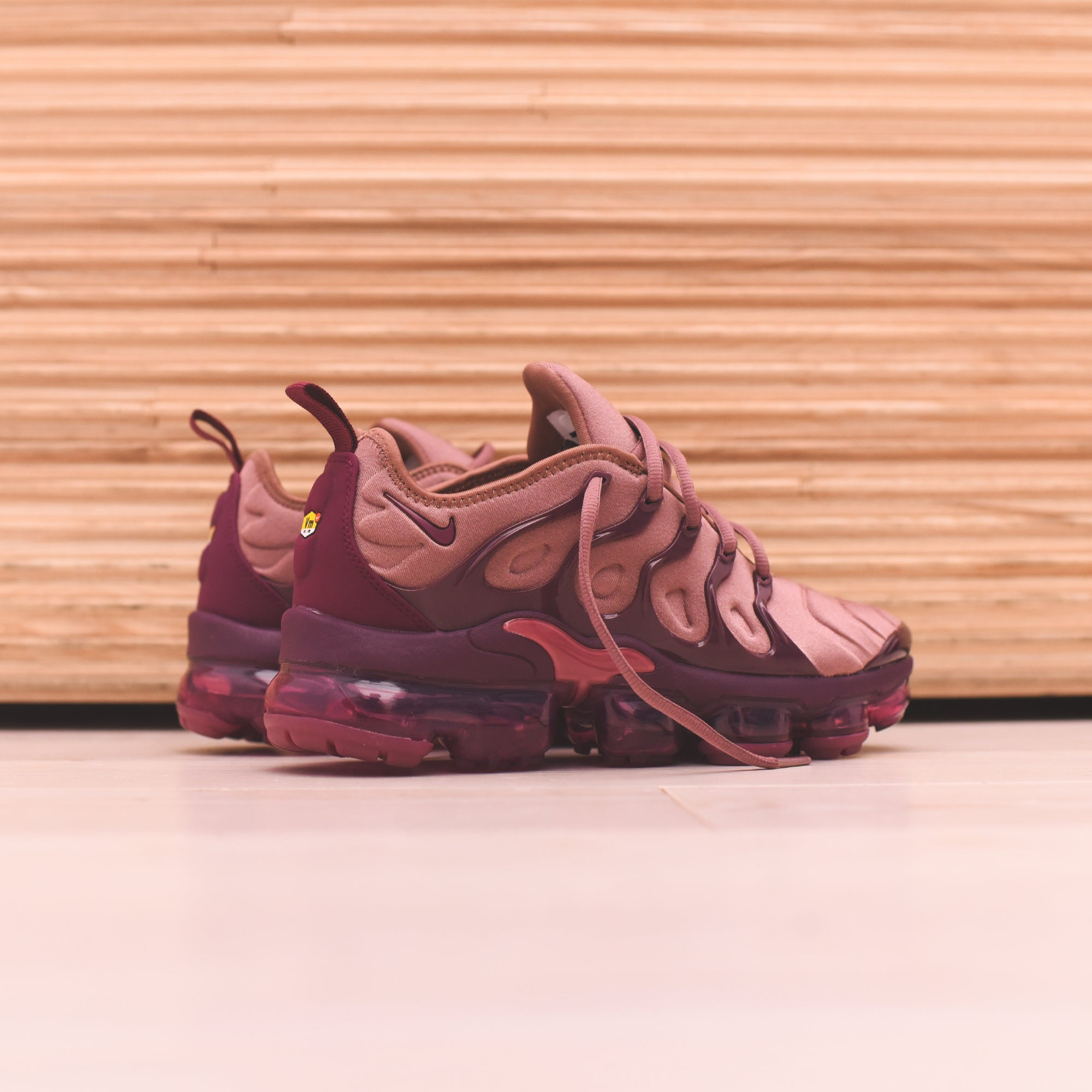 uk availability 8c843 48fc5 Nike WMNS Air VaporMax Plus - Mauve / Black – Kith