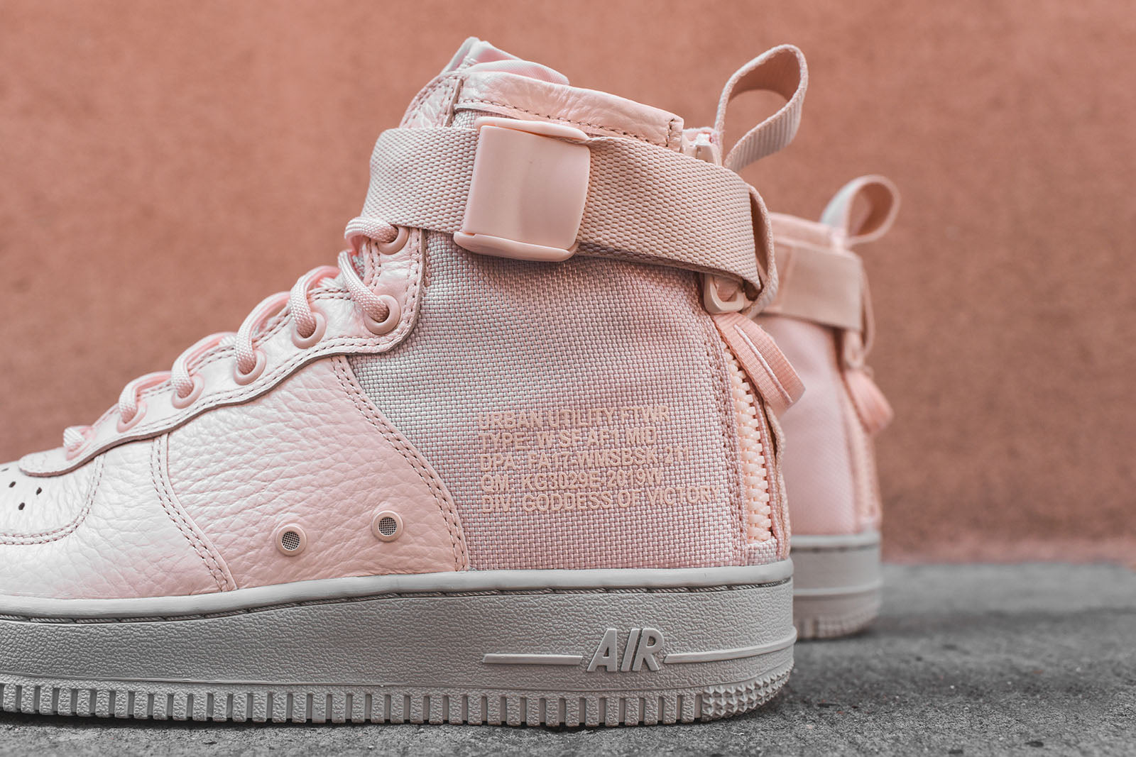 best service b775a 4c4dc nike air force 1 mid pink