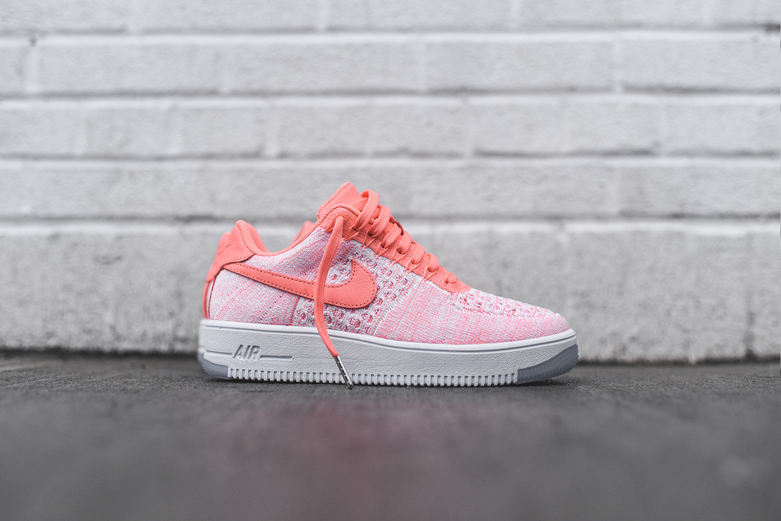nike air force 1 flyknit low pink