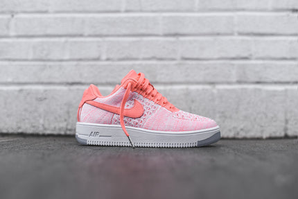 Nike WMNS Air Force 1 Flyknit Low - Atomic Pink