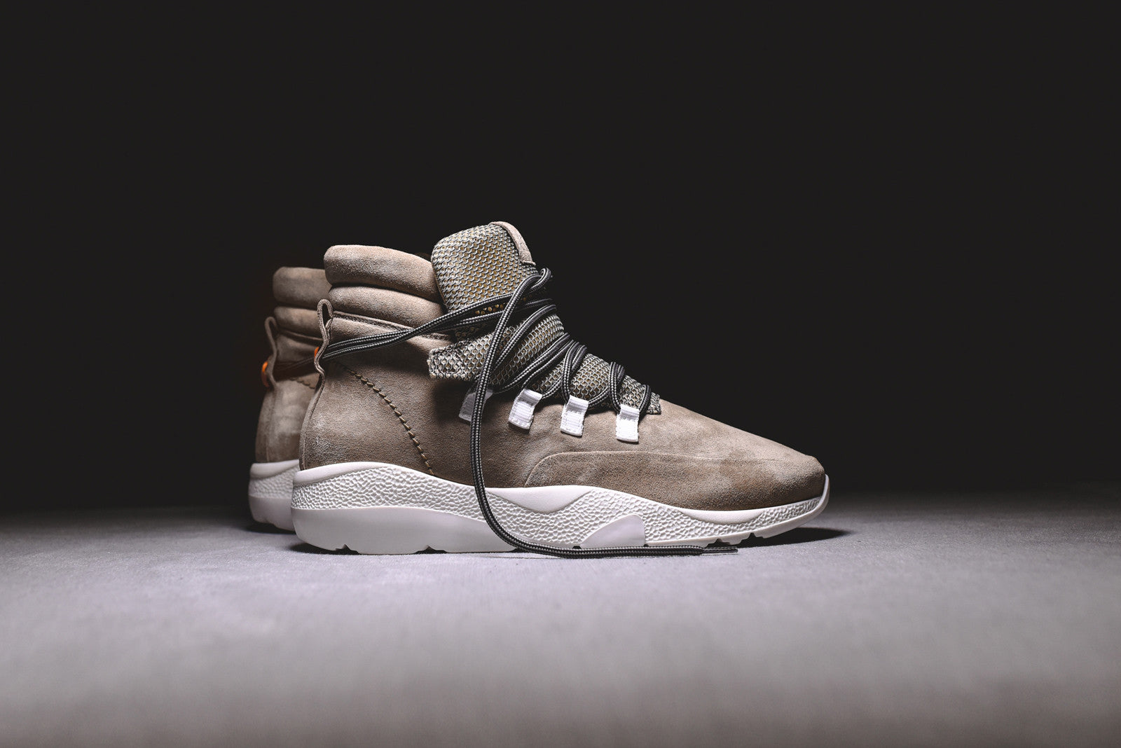 Casbia Daze High Top Runner - Sand