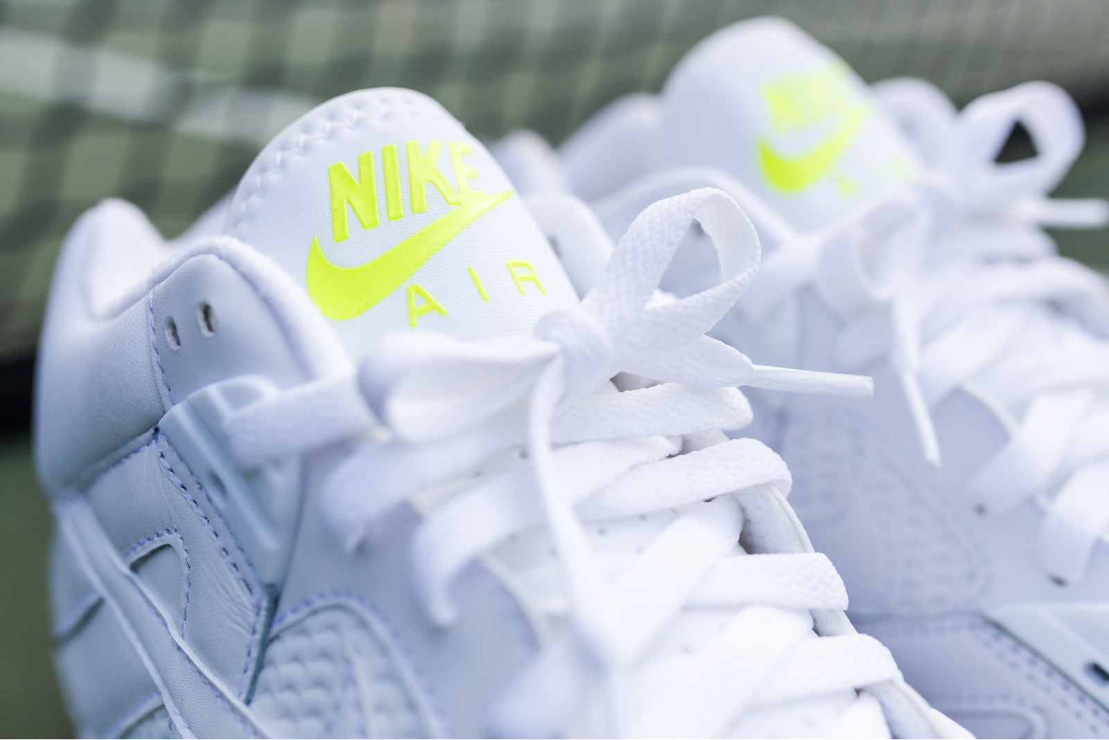 Nike Air Tech Challenge III - White / Clear