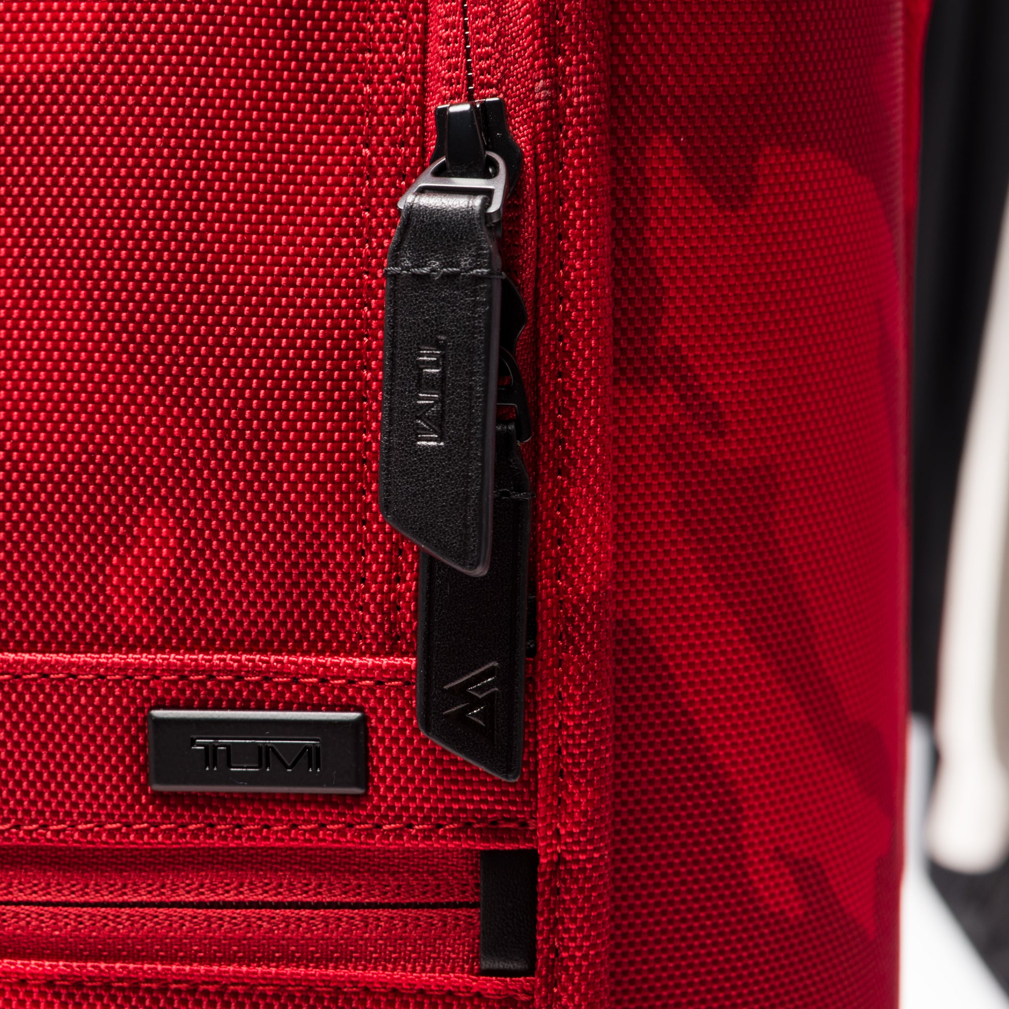 Tumi x Russell Westbrook Intl Exp Carry-on - Red