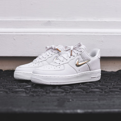 Nike WMNS Air Force 1 PRM LX - Phantom / Gold