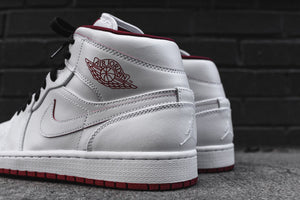Nike Air Jordan 1 Mid - White / Gym Red