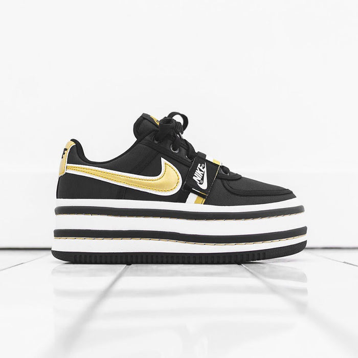 Nike WMNS Vandal 2K - Black / Metallic Gold / Summit White