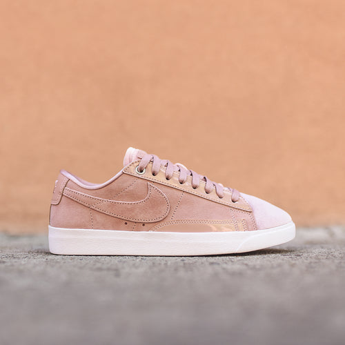 Nike WMNS Blazer Low LX - Particle Pink / White