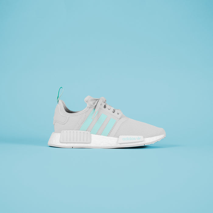 2a0208d31e ... adidas Junior NMD R1 - Grey / Mint / White ...
