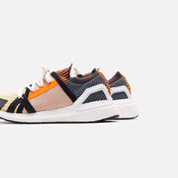 adidas by Stella McCartney UltraBoost 20 - Orange / Black / Gold Thumbnail 1