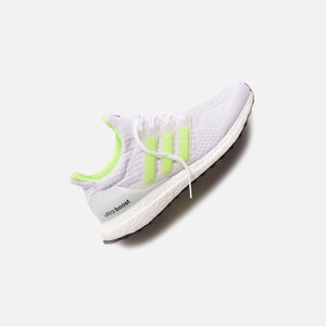adidas UltraBoost 5.0 DNA - Cloud White / Signal Green / Dash