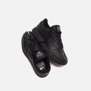 Reebok x Margiela Classic Leather Tabi - Black
