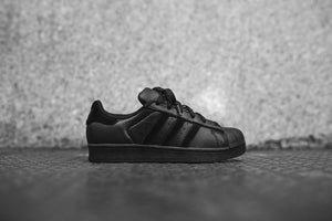 adidas Originals Junior Superstar - Black / White Image 1