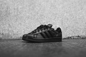 adidas Originals Junior Superstar - Black / White Image 2