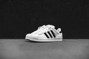 adidas Originals Junior Superstar - White / Black Image 2